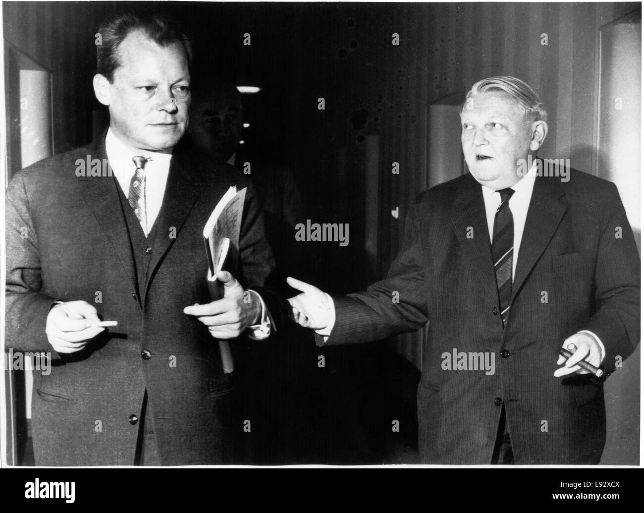 Mayor Willie Brandt of West Berlin and Ludwig Erhard, Economics Minister, in Discussion, Bonn, West Germany, 1961 - Stock Image