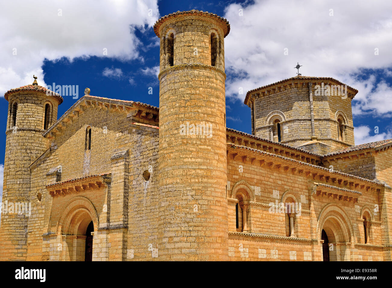 Spain, St. James Way: External view of the Romanesque church Saint Martin in Fromista - Stock Image