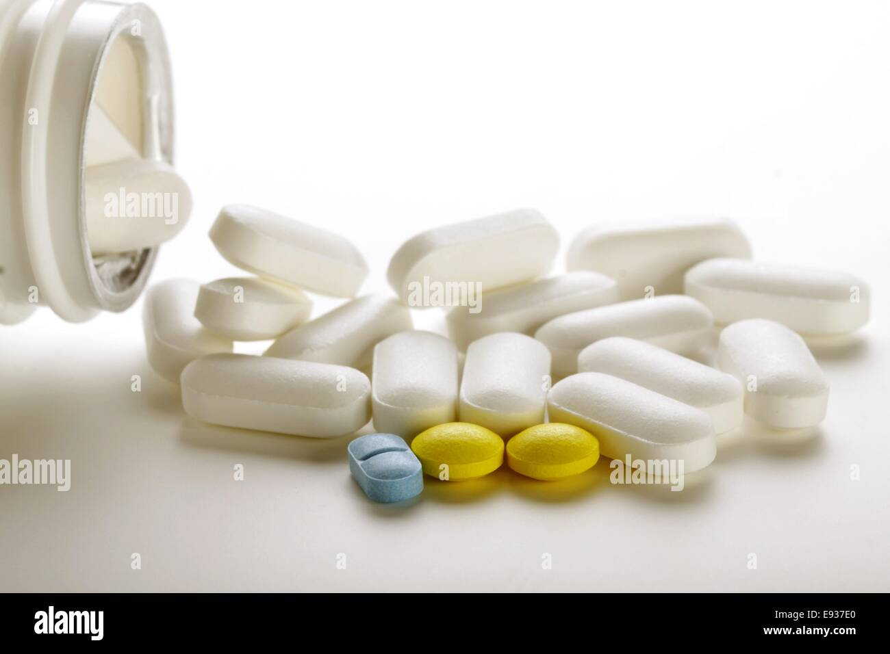 pills for flu and colds - Stock Image