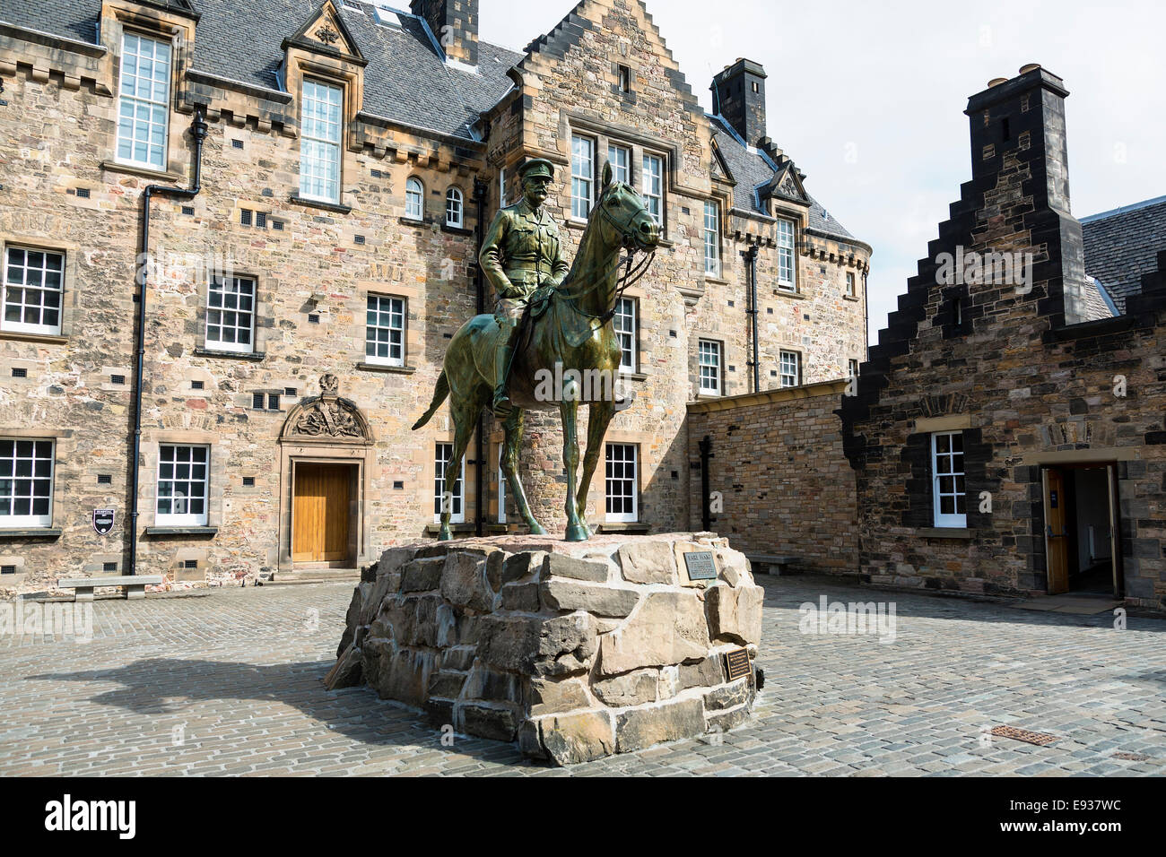 Statue of Earl Haig in front of hospital building, Historic Edinburgh Castle, Edinburgh, Scotland Stock Photo