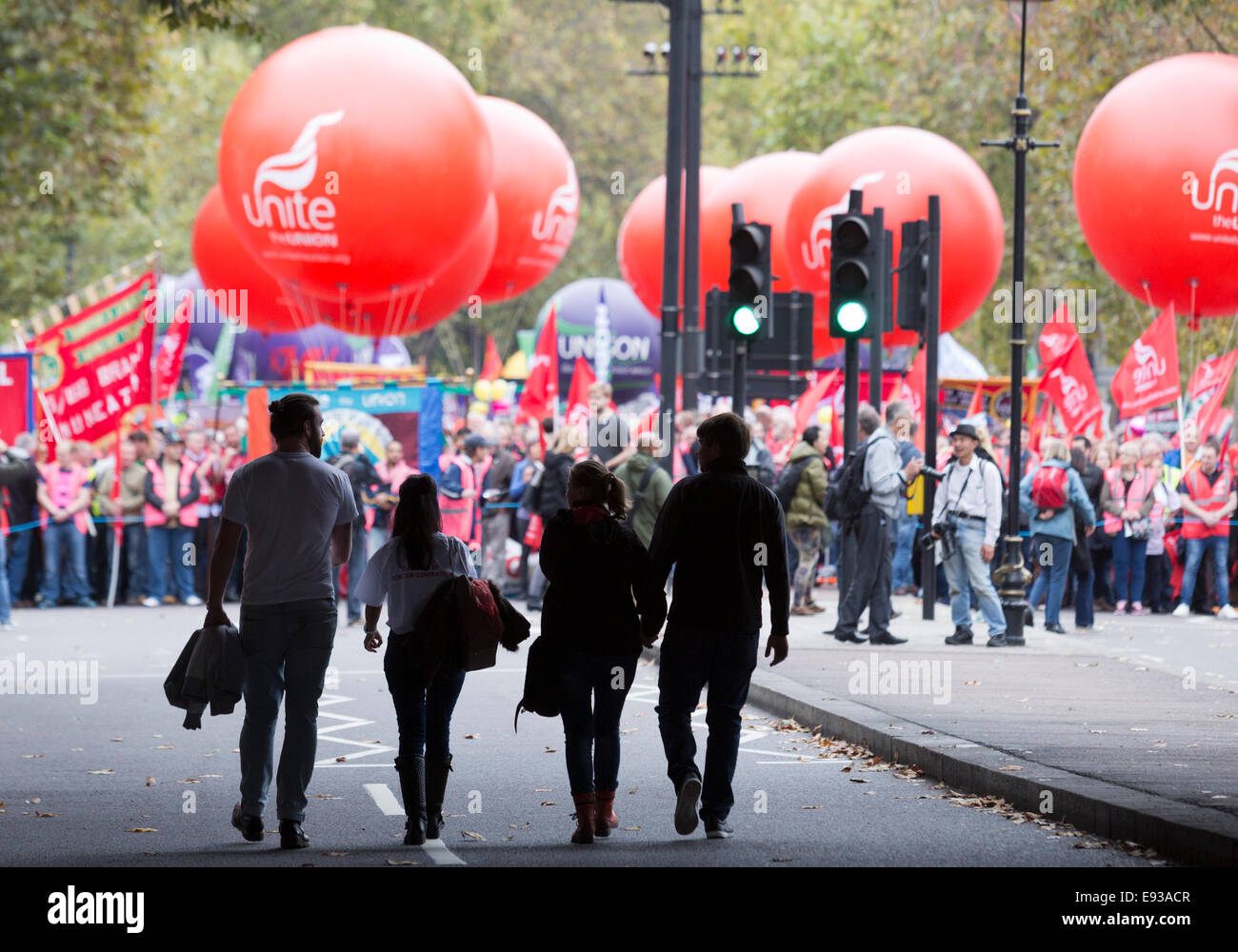 London, UK. 18 October 2014. People making their way to join the demonstration. Britain Needs A Payrise: TUC national - Stock Image