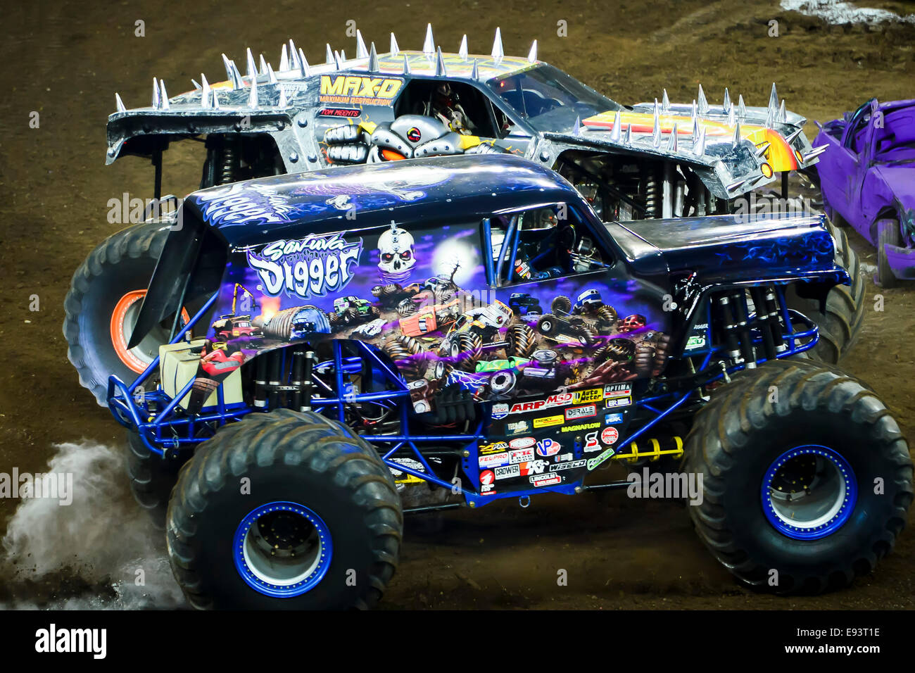 Sydney Australia 18th Oct 2014 Grave Digger And Max D Fight Stock Photo Alamy