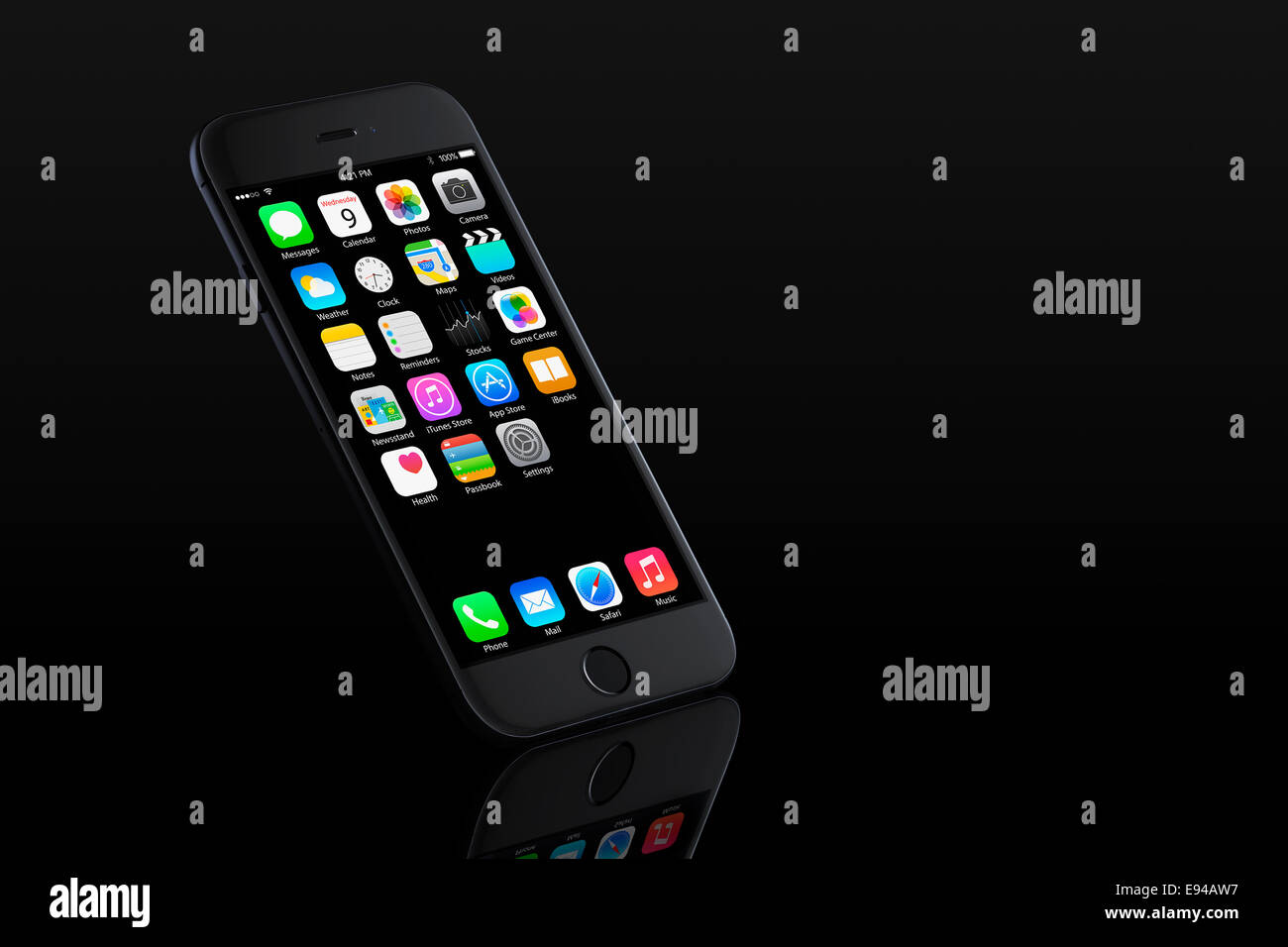 Digitally generated image of cell phone, new iphone 6 space gray with apps (ios 8), reflected. - Stock Image