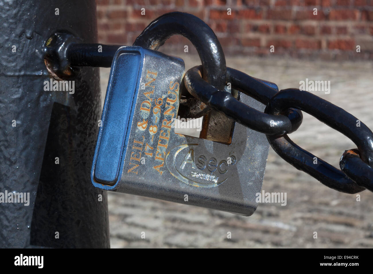Liverpool, Merseyside, UK. 19th Oct, 2014. The future of hundreds of sentimental love locks at Liverpool's Albert - Stock Image