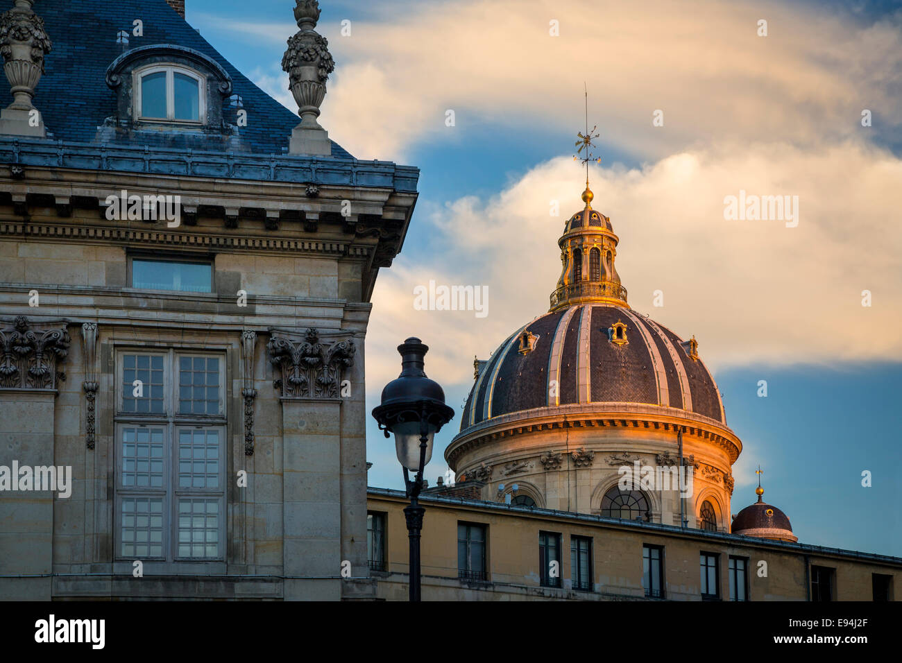 Setting sunlight on the dome of Academie Francaise, Paris, France - Stock Image
