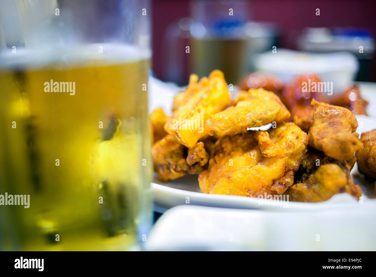 September 10, 2013, Seoul, South Korea - Korea - A typical meal of fried chicken accompanied with beer at Chung - Stock Image