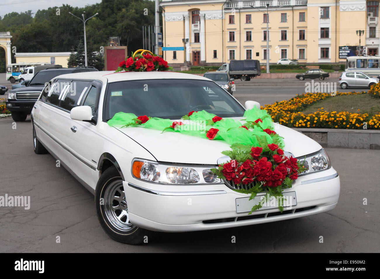 Wedding limousine - Stock Image