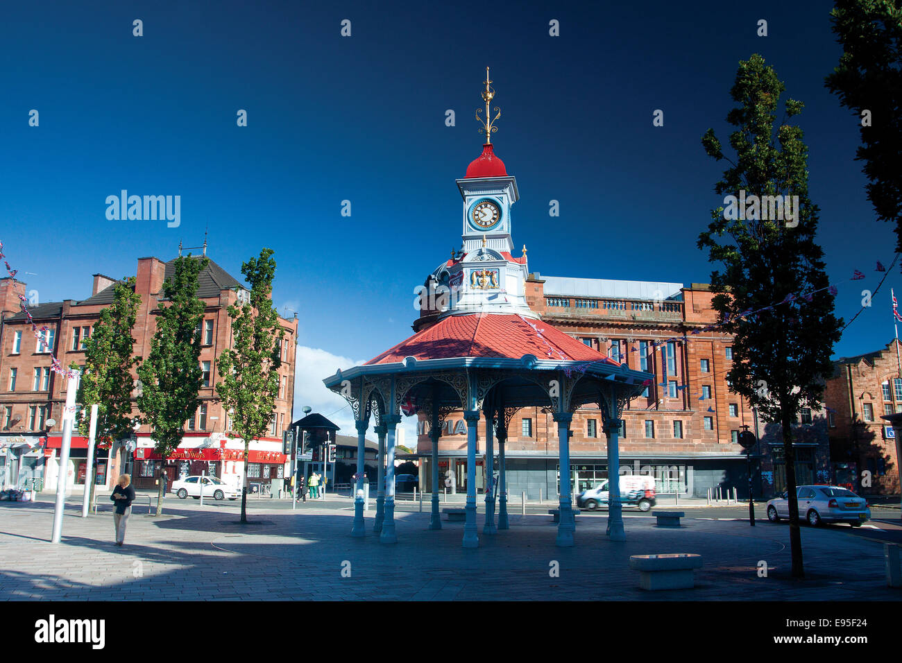 The cast iron Bridgeton Bandstand, Bridgeton Cross, Glasgow - Stock Image