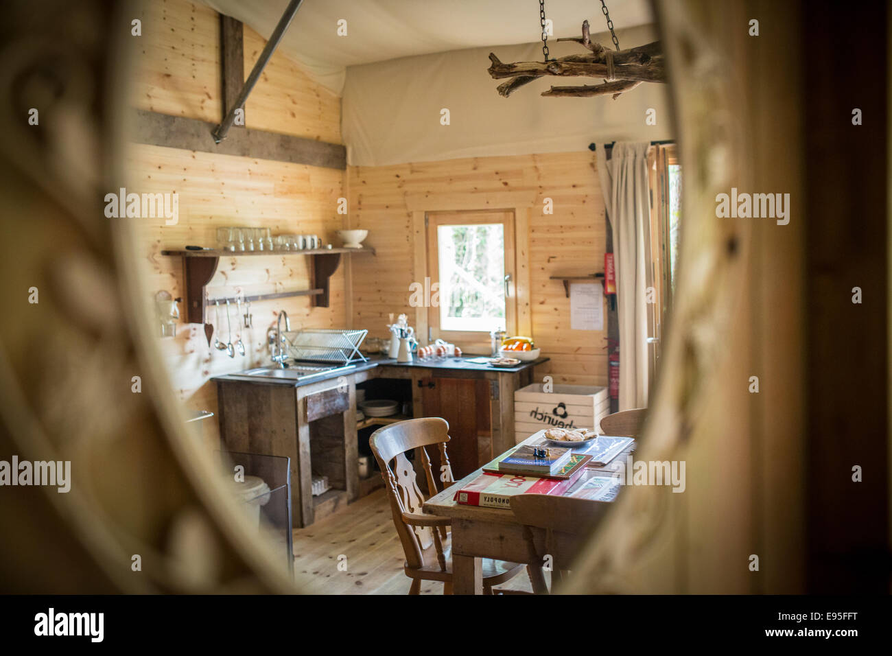 Holiday lodge cabin, luxury glamping - Stock Image