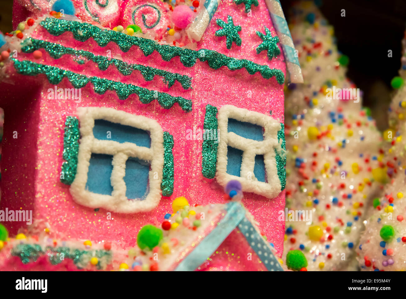 christmas decorations candy house gingerbread house