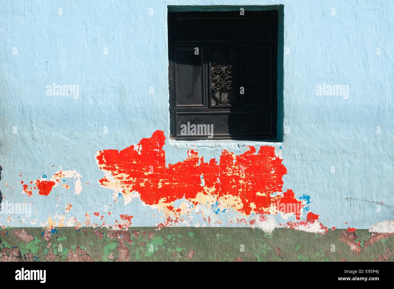 Colorful building and windows, Santiago Atitlan, Guatemala - Stock Image