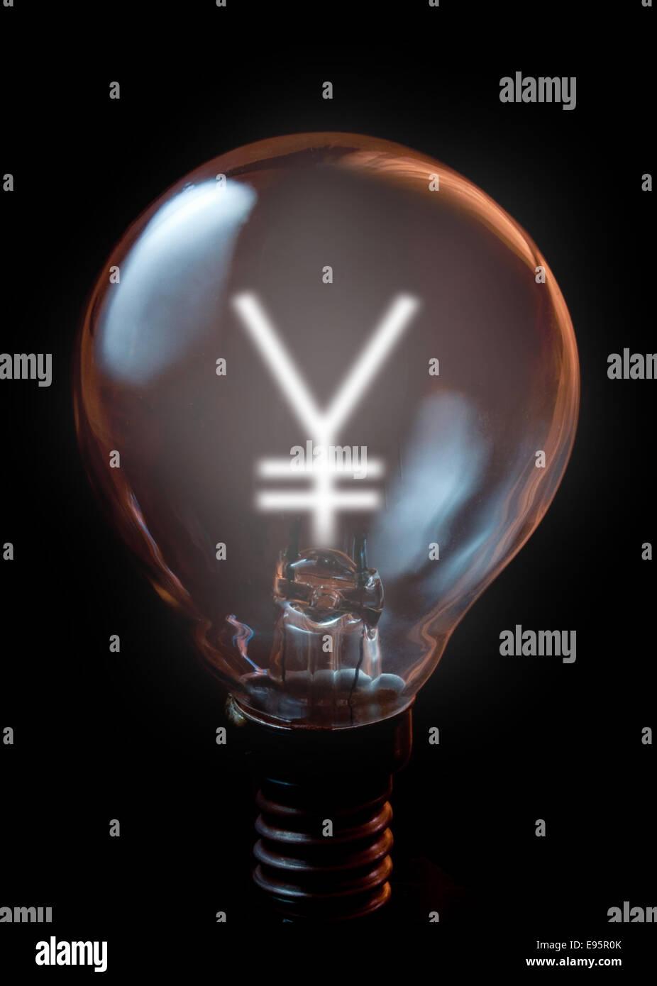 Chinese yen symbol illuminated light bulb - Stock Image
