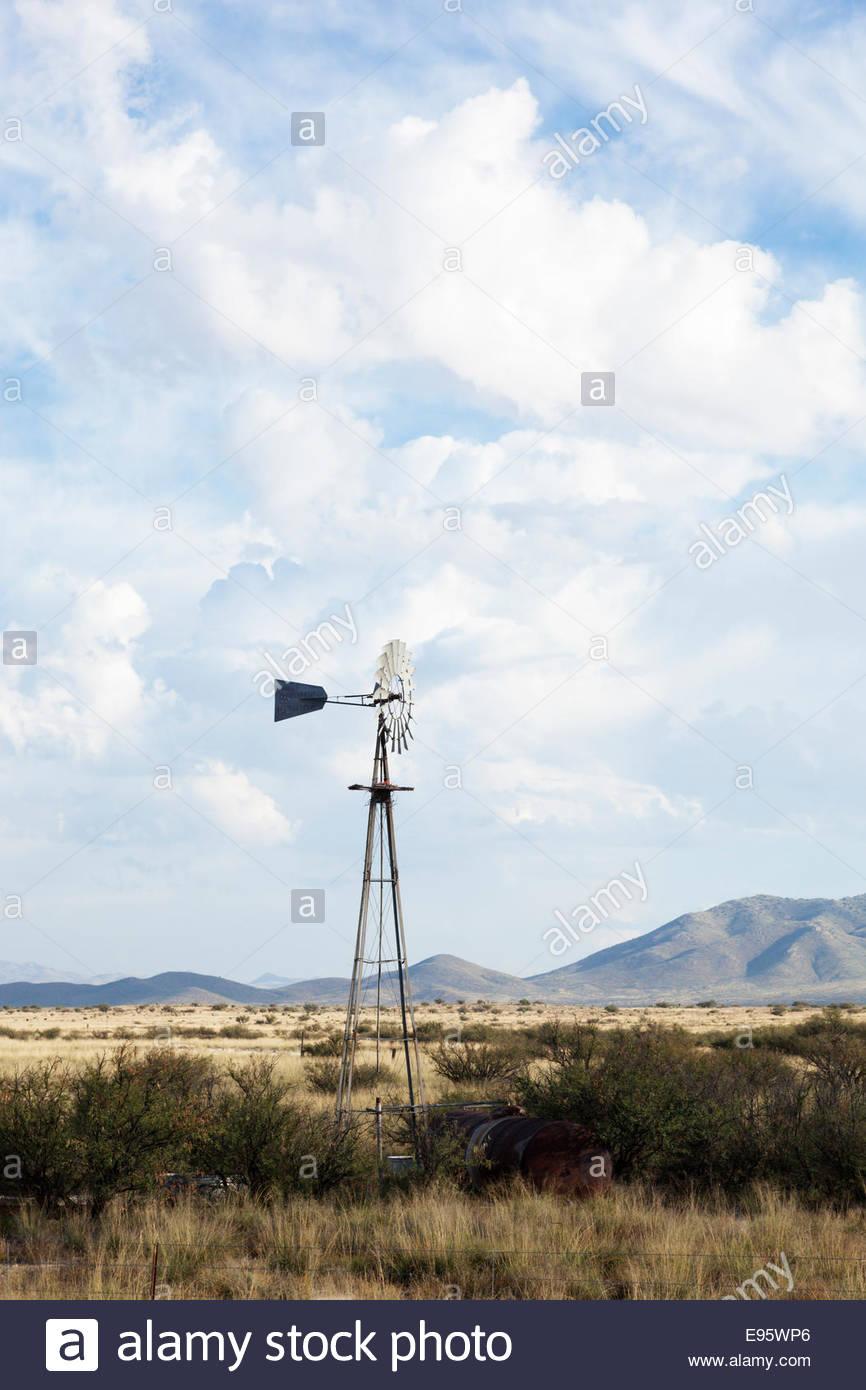 Abandoned Windmill on rangeland in southern Arizona - Stock Image