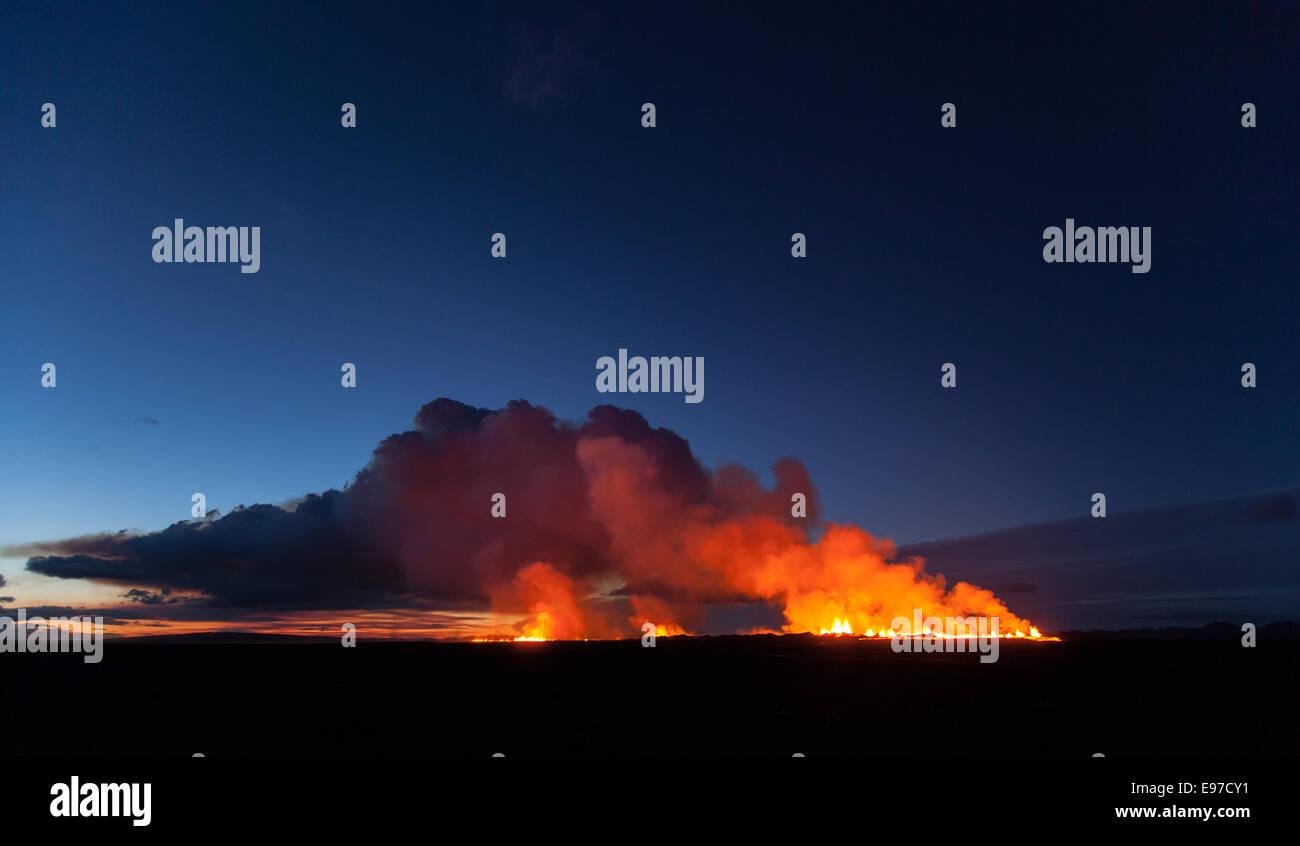dawn over Holuraun eruption - Stock Image