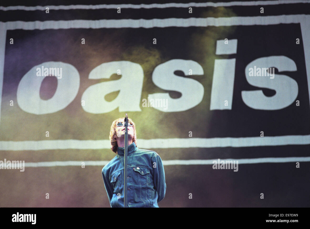 Liam Gallagher/ Oasis in concert at Loch Lomond, Scotland, in 1996. - Stock Image