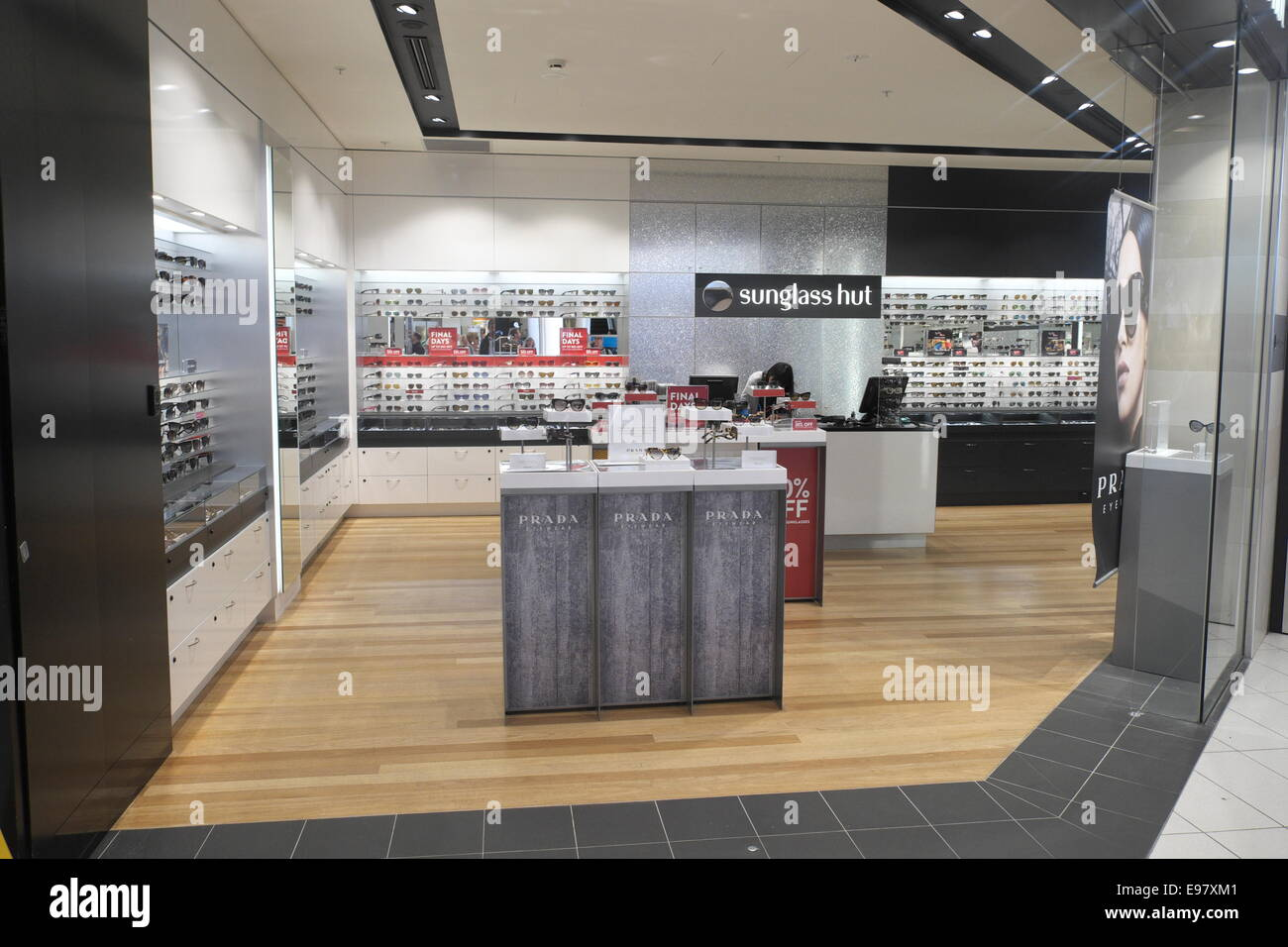 0410756cc5 sunglasses hut store sydney airport departure lounge terminal 2 concourse  area