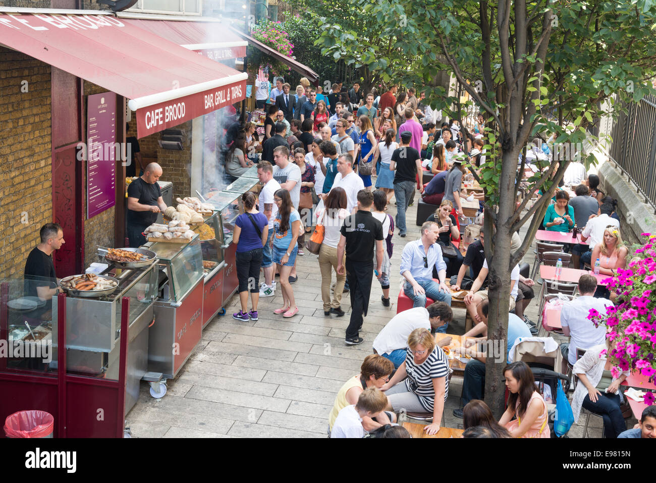 Food stalls at Borough Market, London, England, UK - Stock Image