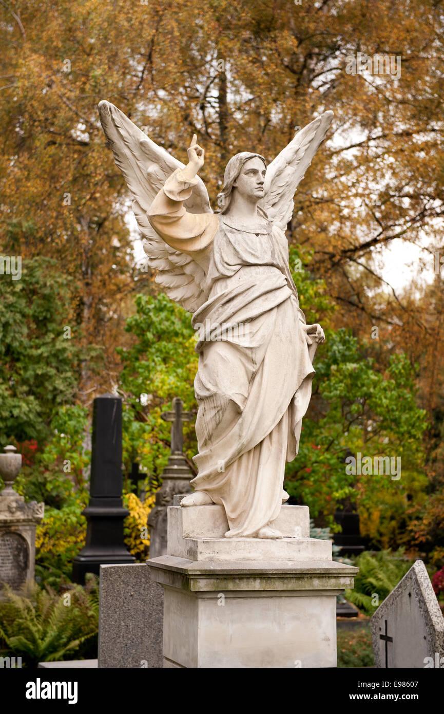 Large angel monument stonework - Stock Image