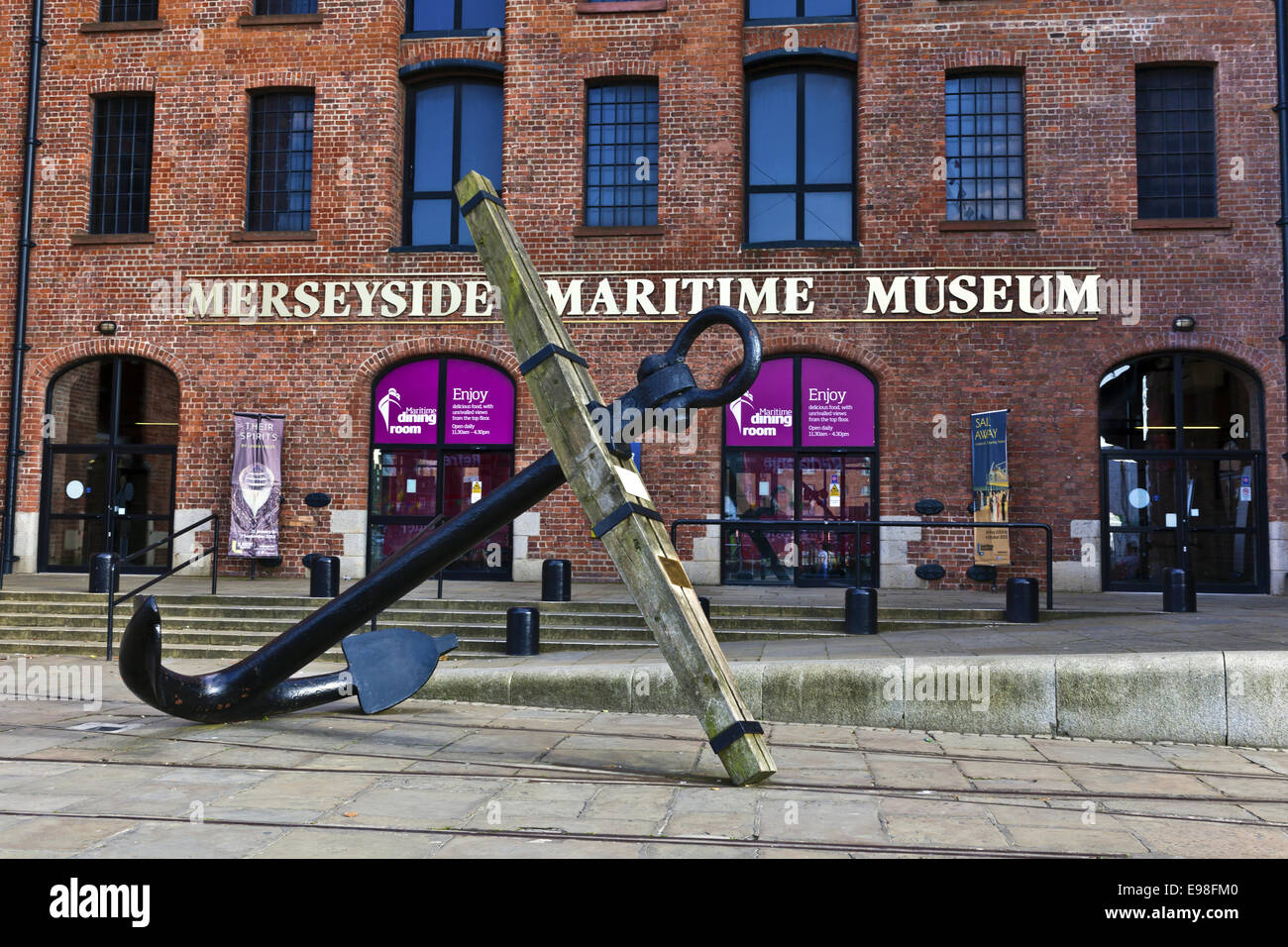 Merseyside Maritime Museum in the Albert Dock on the banks of the River Mersey. - Stock Image