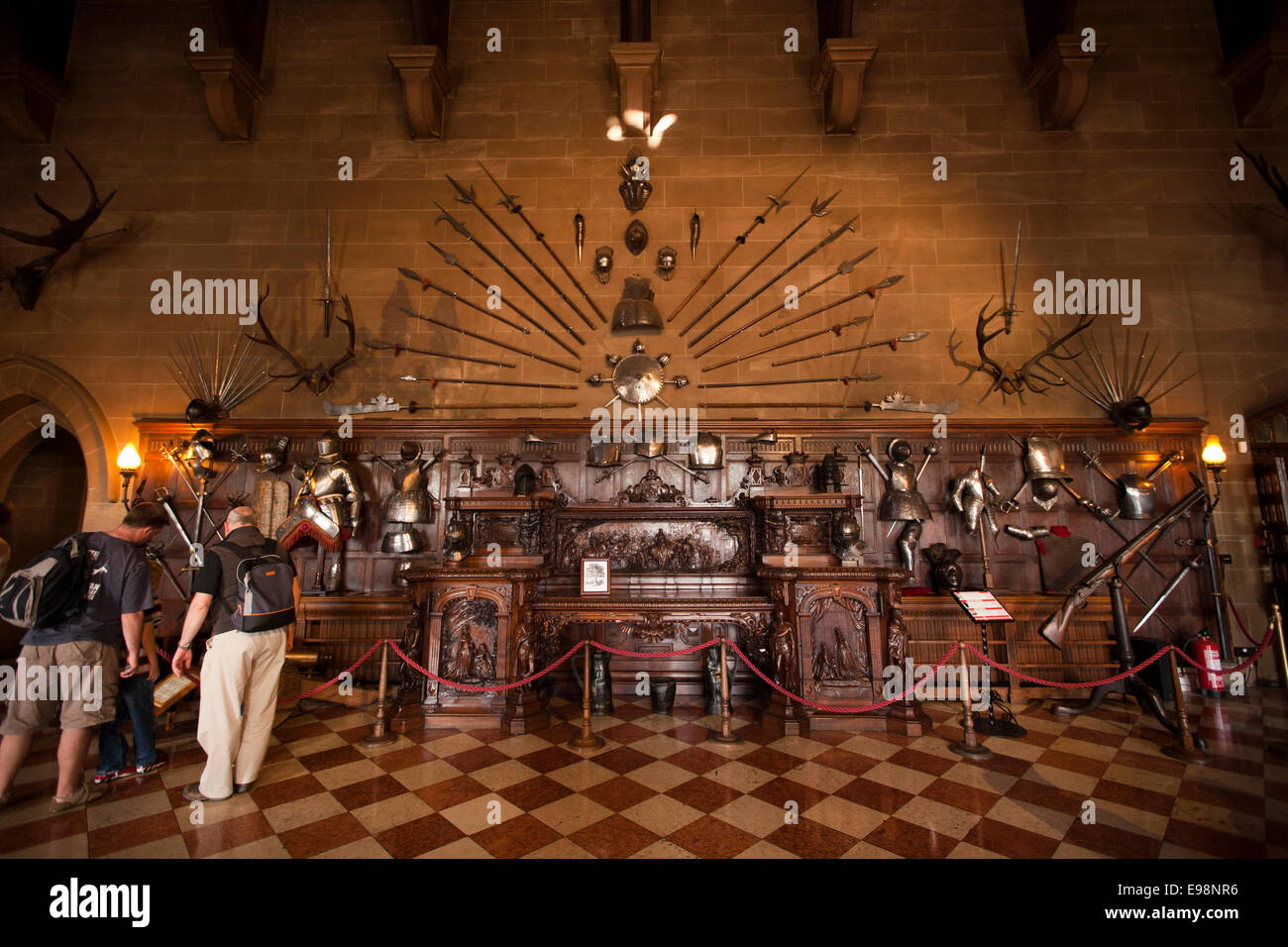 UK, England, Warwickshire, Warwick Castle, Great Hall visitors looking at the Kenilworth Buffet - Stock Image