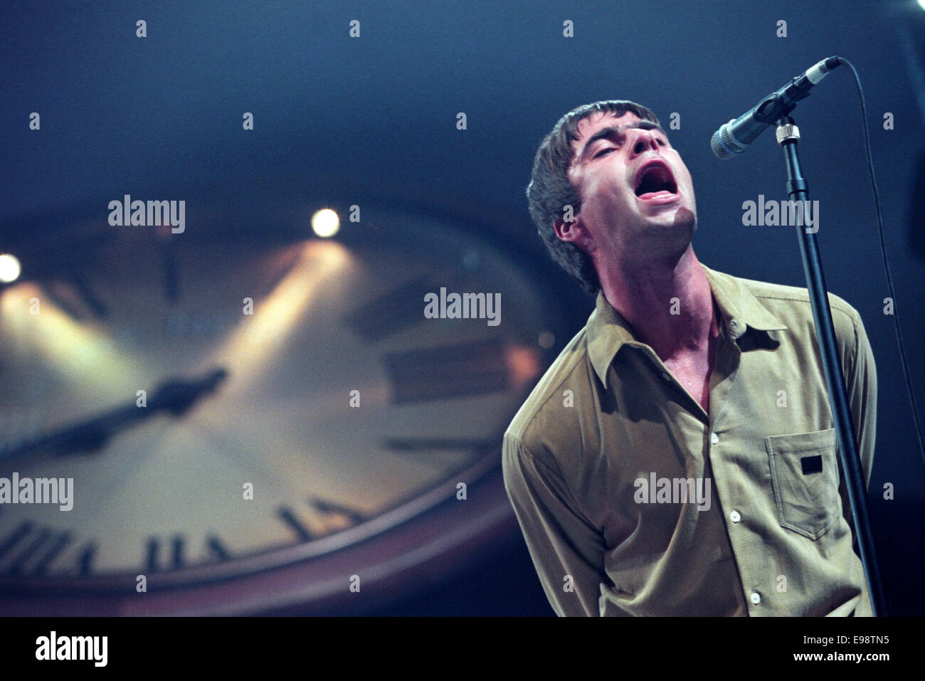 Liam Gallagher and Oasis in Aberdeen, Scotland, 1997. - Stock Image