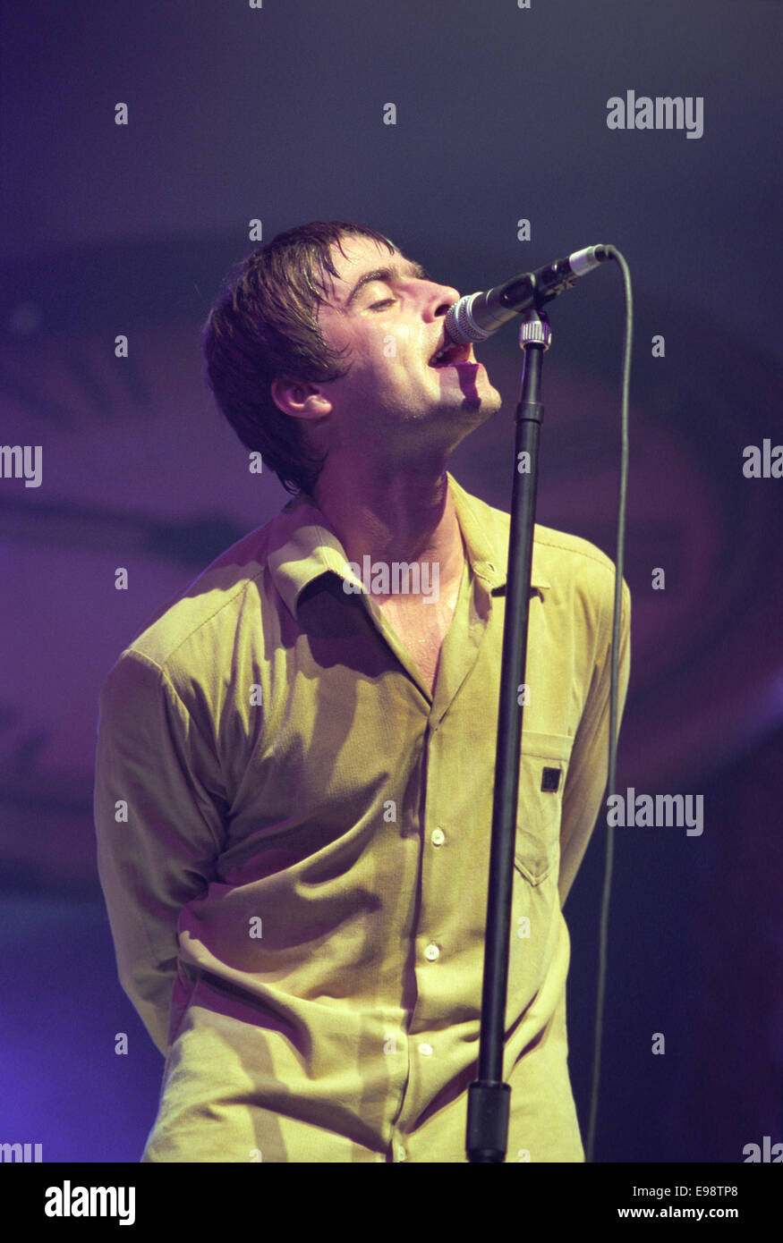 Liam Gallagher and Oasis in Aberdeen, Scotland, in 1997. - Stock Image