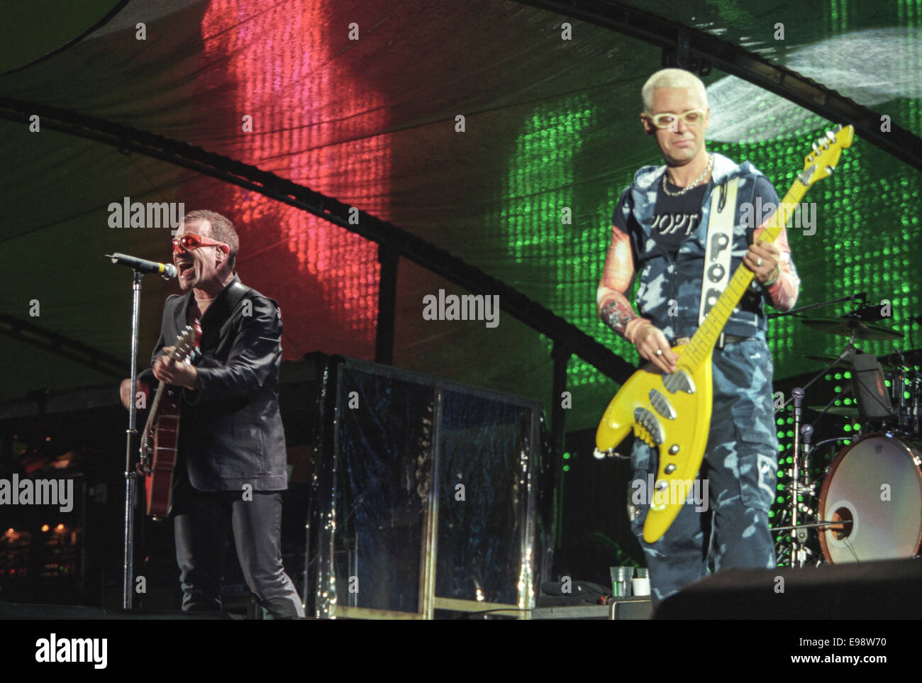 U2 in concert at Parkhead Stadium, in Glasgow, Scotland, in 1997. - Stock Image