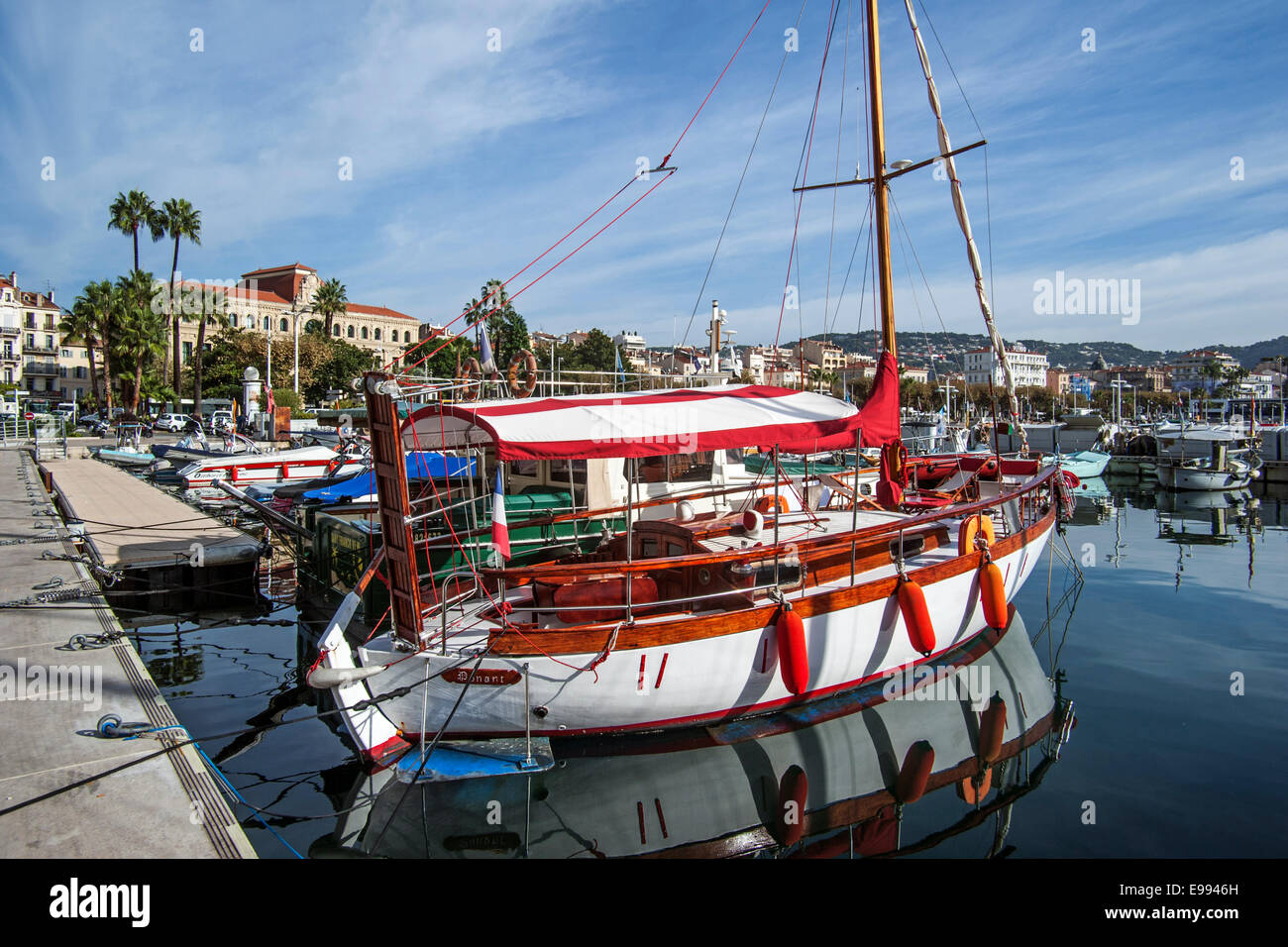 Sailing boats in the harbour at Cannes, French Riviera, Côte d'Azur, Alpes-Maritimes, France - Stock Image