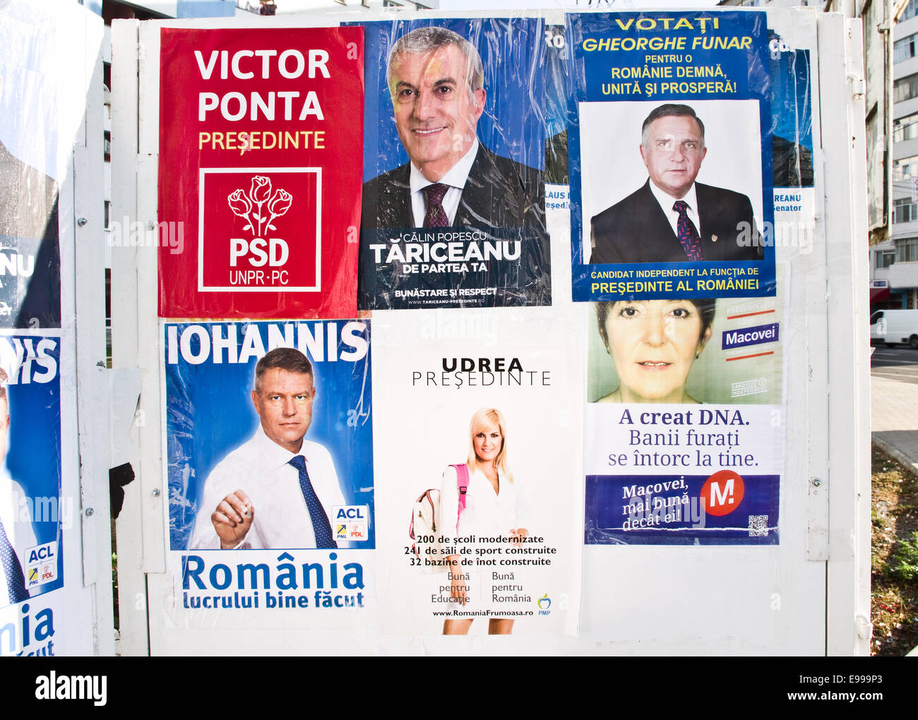 Campaign posters - Elections for President in Romania - Romanian presidential election November 2014 - Stock Image