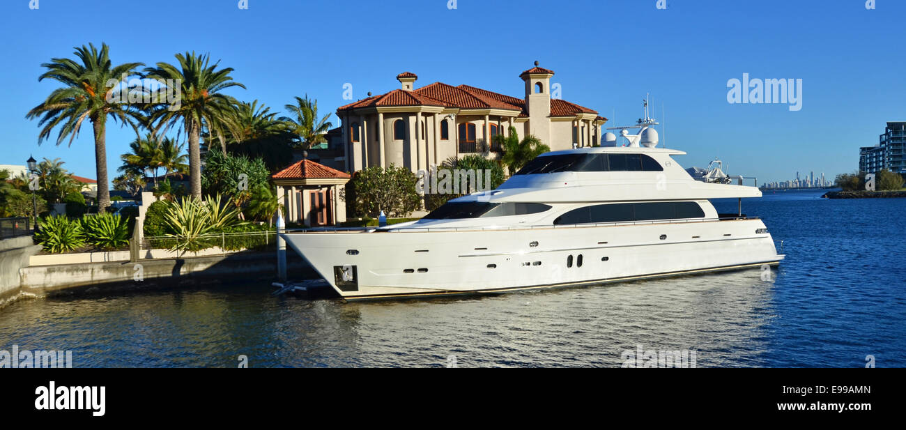 GOLD COAST - OCT 14 2014:Luxury home and super yacht in Sovereign Islands.It's one of the most expensive areas in Stock Photo