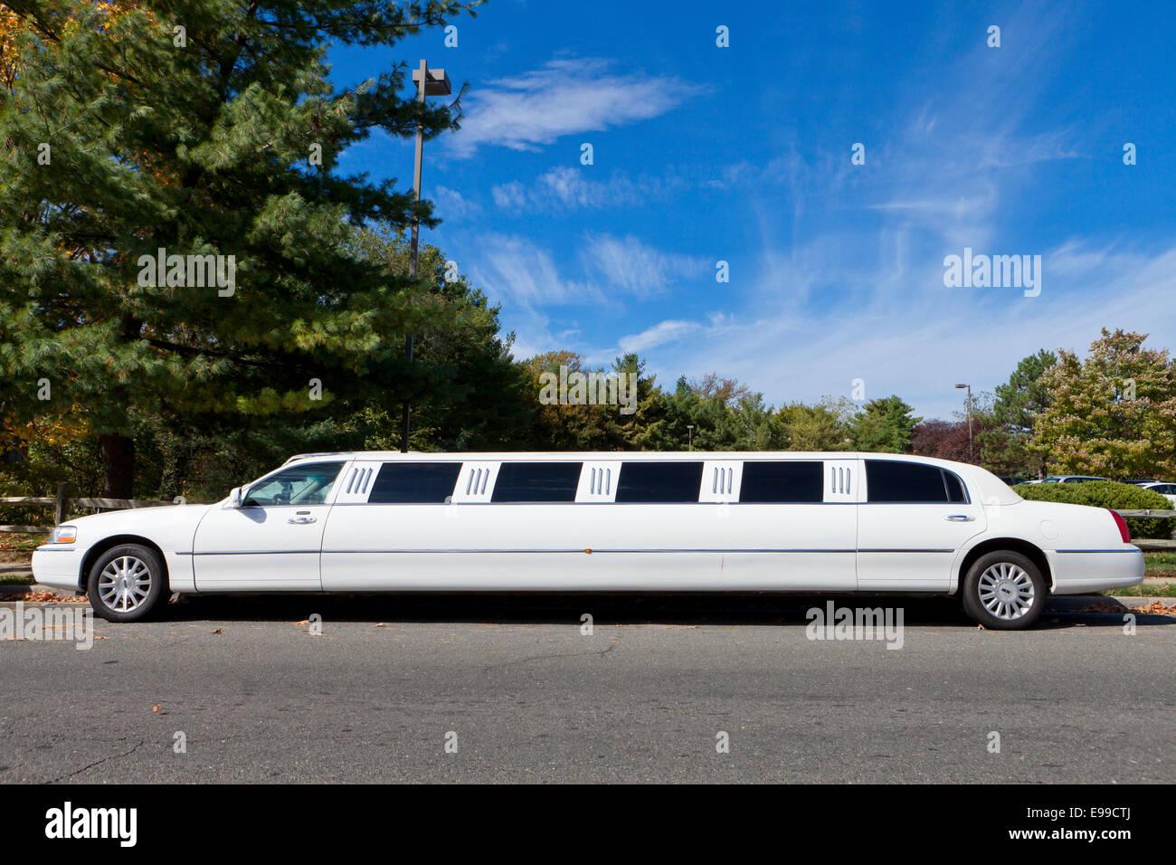 White limousine parked - USA - Stock Image