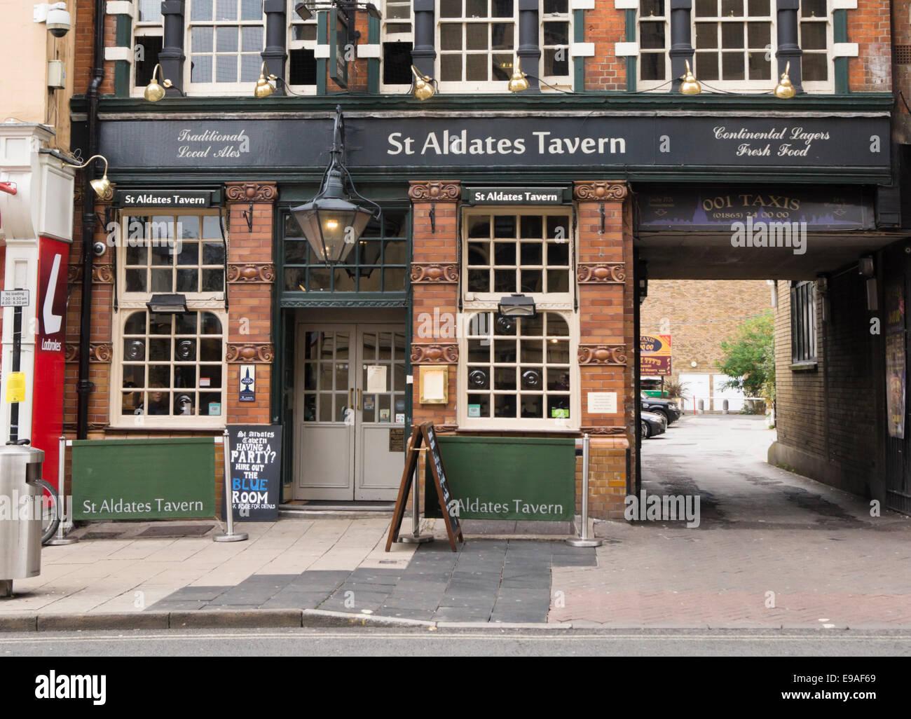 Around Oxford City, the Historic University city in Oxfordshire England UK  St Aldates Tavern Pub Stock Photo