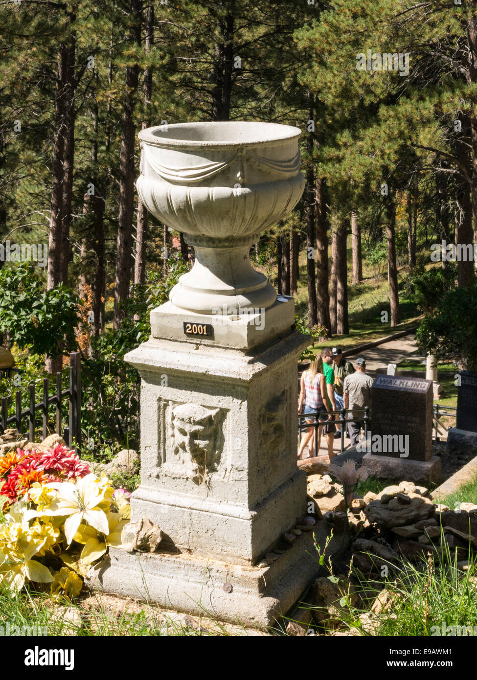Urn Graves At The Cemetery Stock Photos & Urn Graves At The Cemetery ...