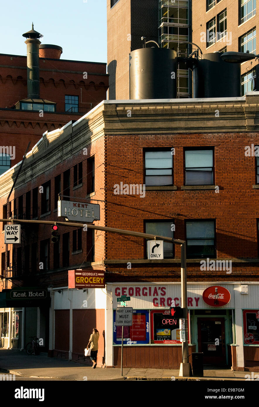 The intersection of 12th and Stark in downtown Portland, Oregon - Stock Image
