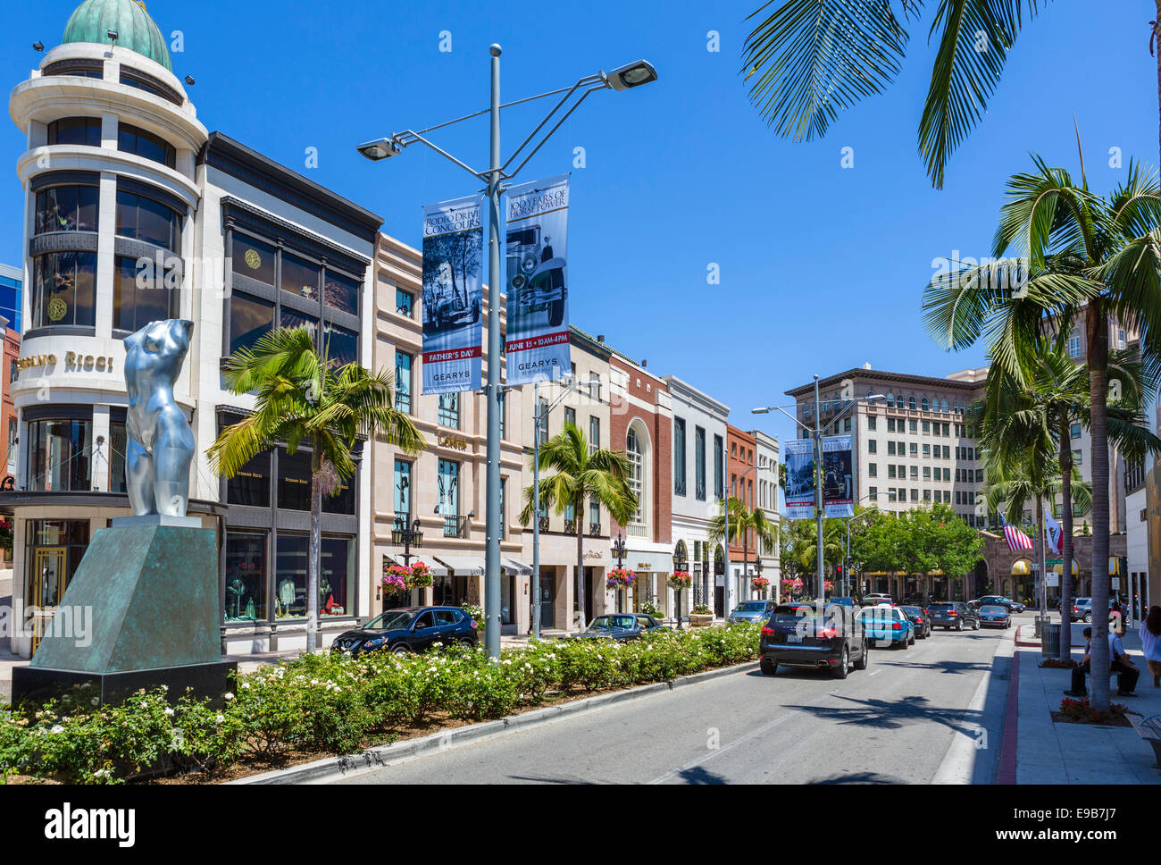 Rodeo Drive looking towards Beverly Wilshire Hotel, Beverly Hills, Los Angeles, California, USA - Stock Image