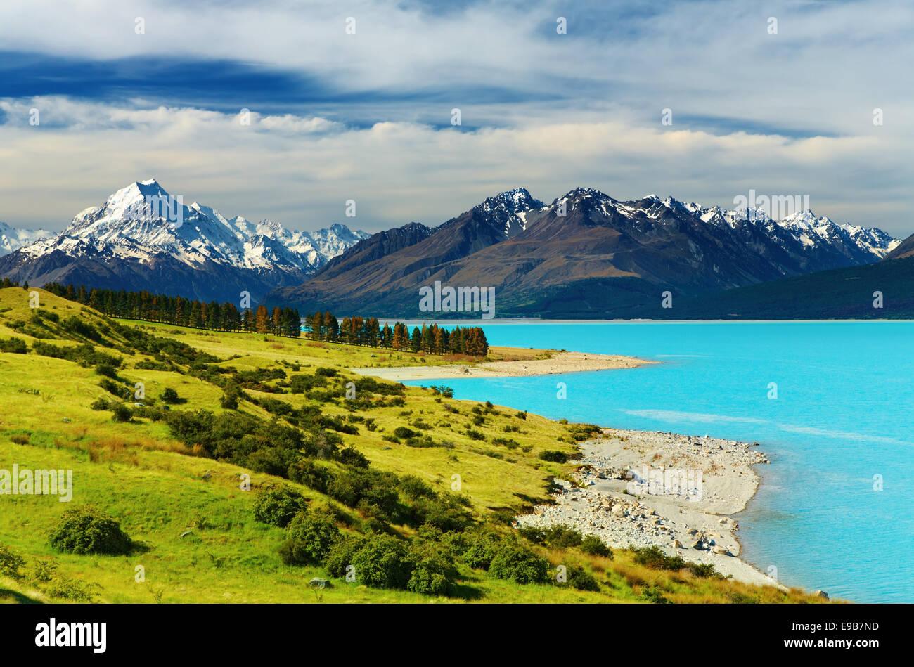 Mount Cook and Pukaki lake, New Zealand - Stock Image