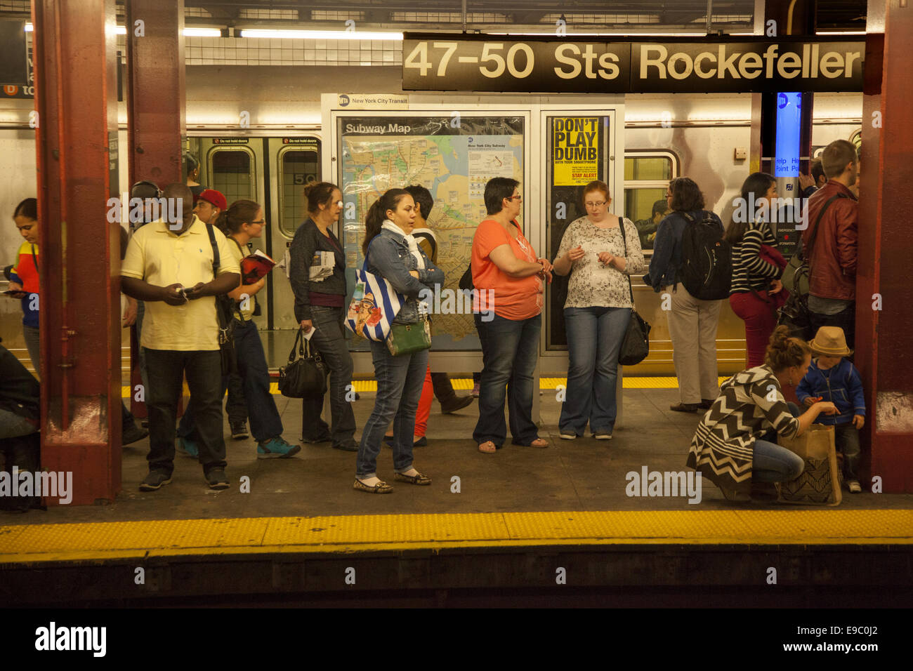 Subway Map To Rockefeller.Subway Platform At Rockefeller Center Nyc Stock Photo 74637306 Alamy