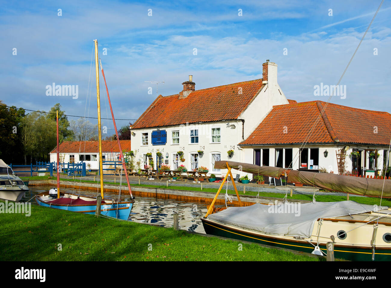 The Pleasure Boat Inn, Hickling Broad, Hickling, Norfolk, England UK - Stock Image