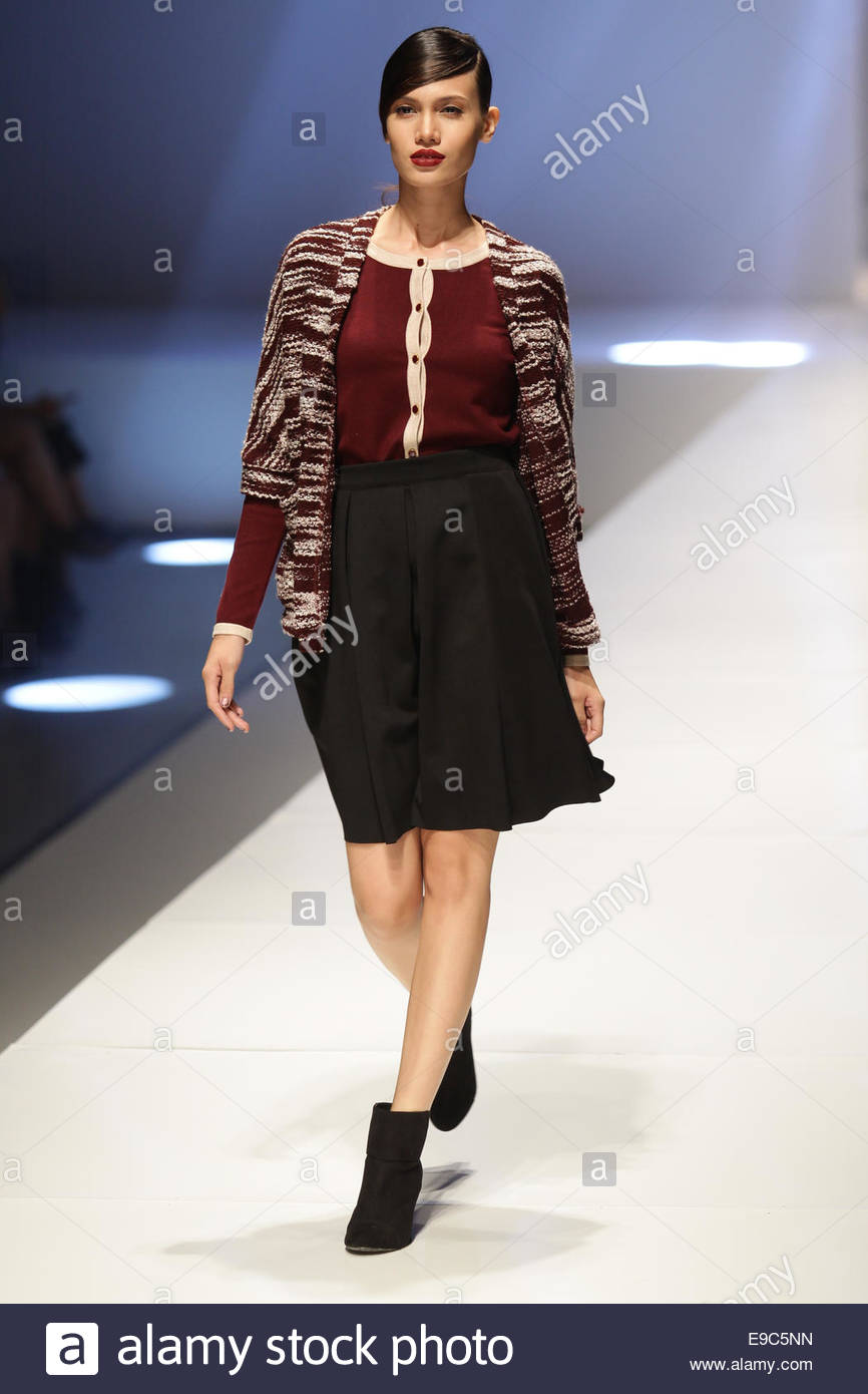2019 year for women- Fall sfera winter collection