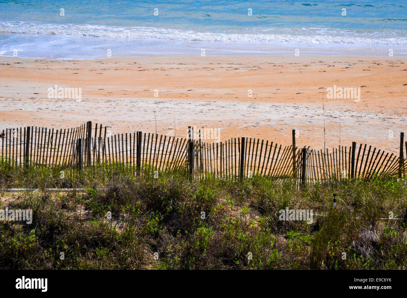beach with erosion fence Jacksonville Florida - Stock Image