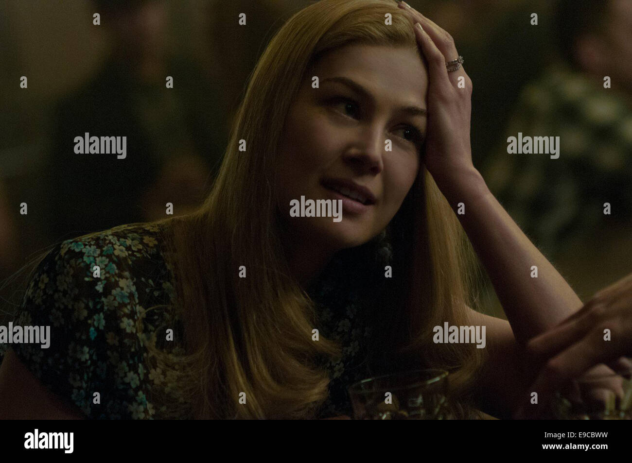 GONE GIRL (2014)   ROSAMUND PIKE  DAVID FINCHER (DIR) - Stock Image