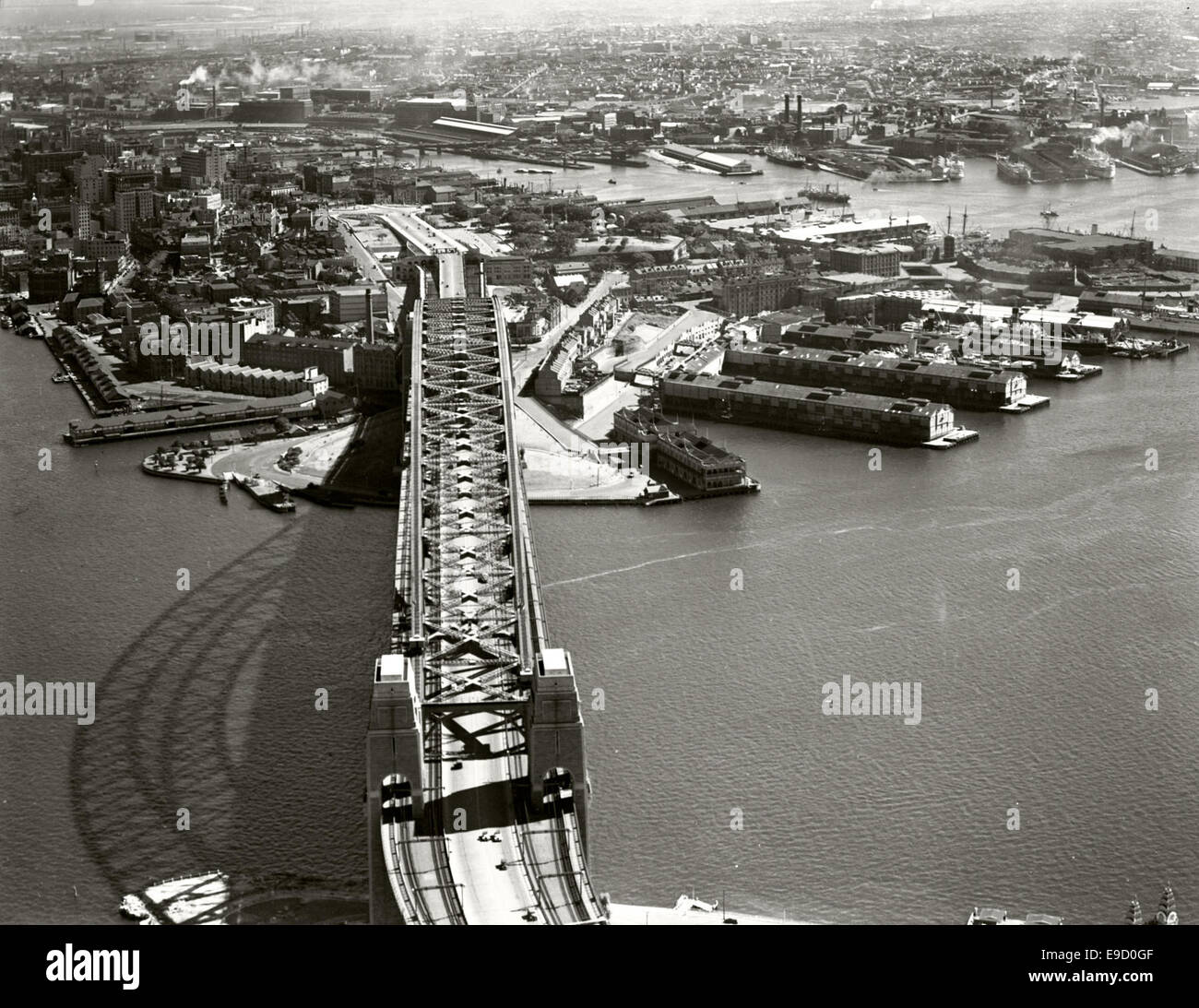 Harbour Bridge looking South 14039660121 o - Stock Image