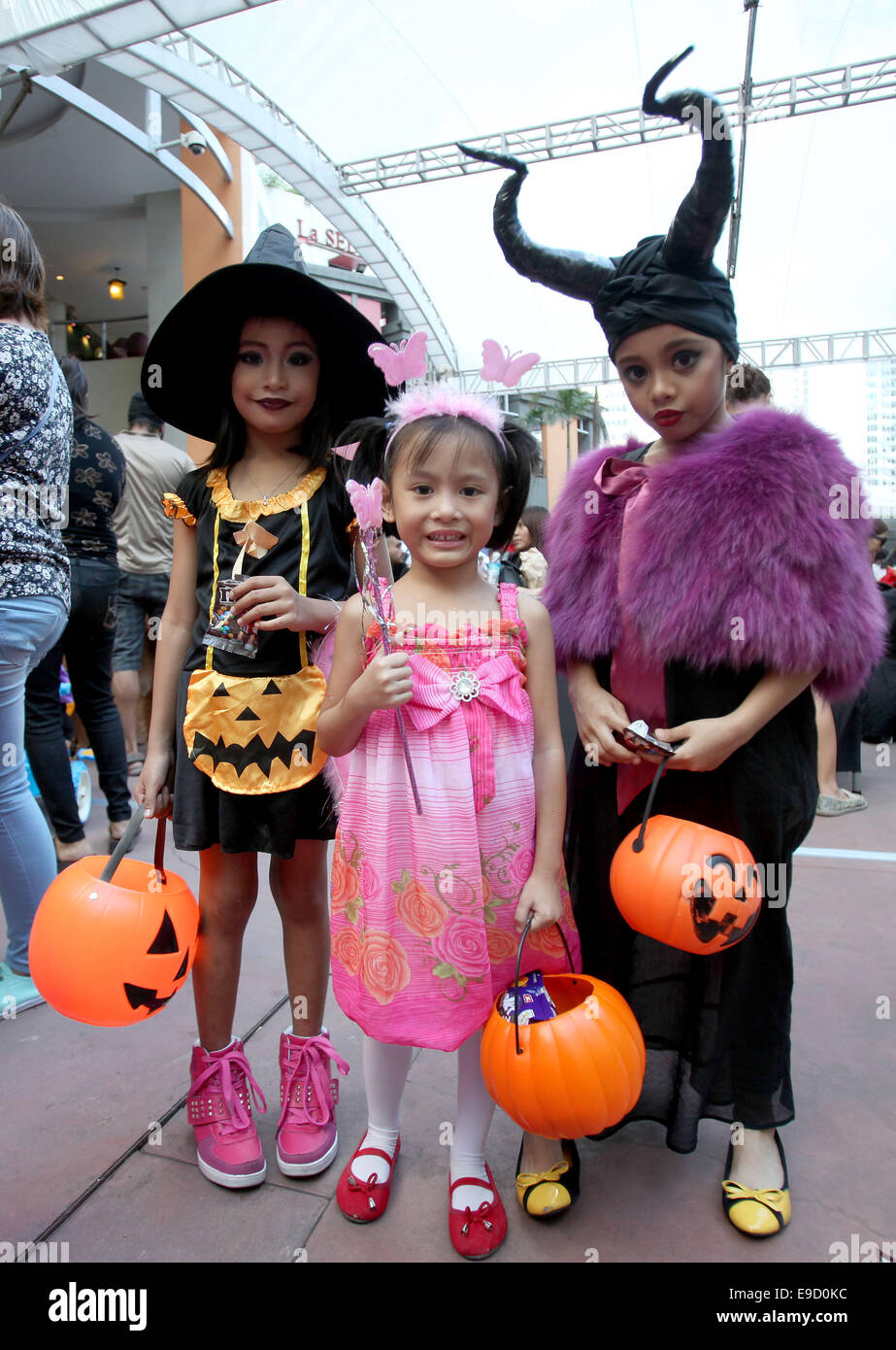 Quezon City Philippines. 25th Oct 2014. Children dressed in Halloween costumes attend a Trick or Treat event in celebration of Halloween in Quezon City ...  sc 1 st  Alamy & Quezon City Philippines. 25th Oct 2014. Children dressed in Stock ...