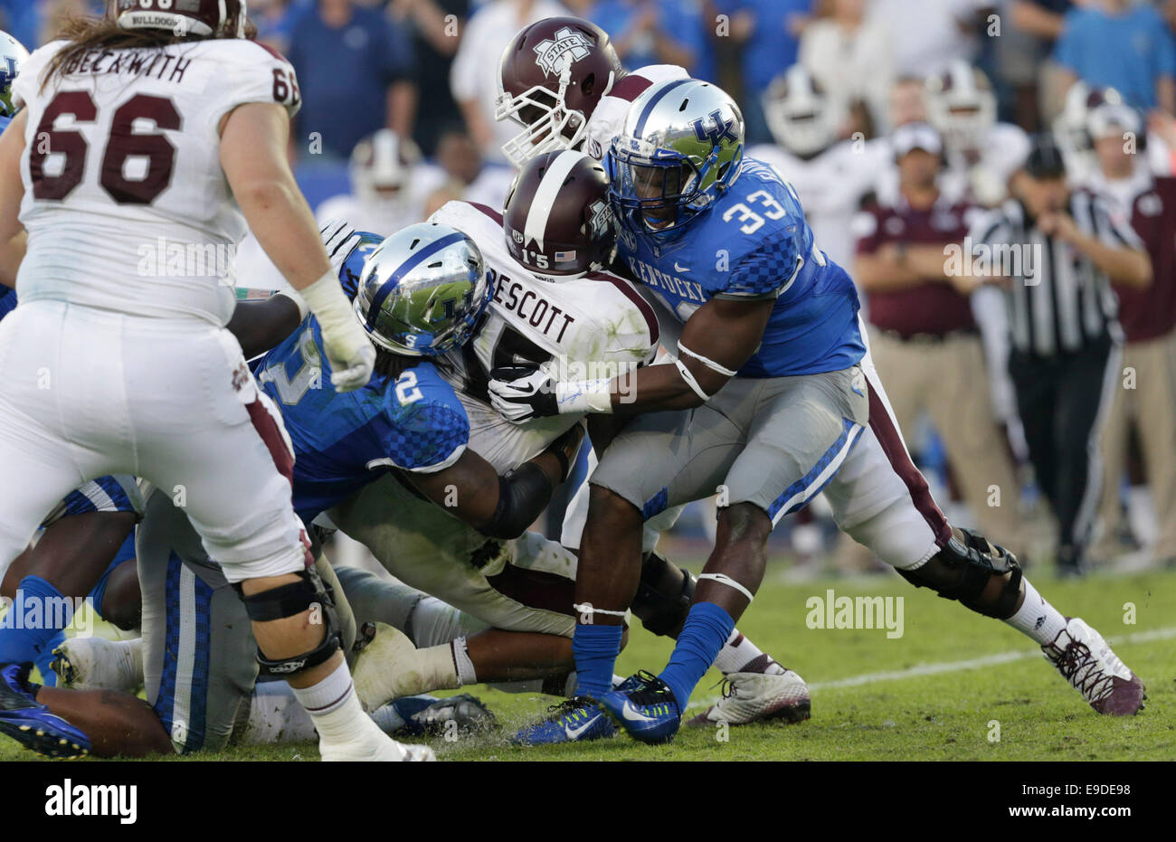 Oct. 25, 2014 - Lexington, Ky, US - Kentucky's Alvin Dupree (2) and Kentucky's Ryan Flannigan stopped Mississippi Stock Photo