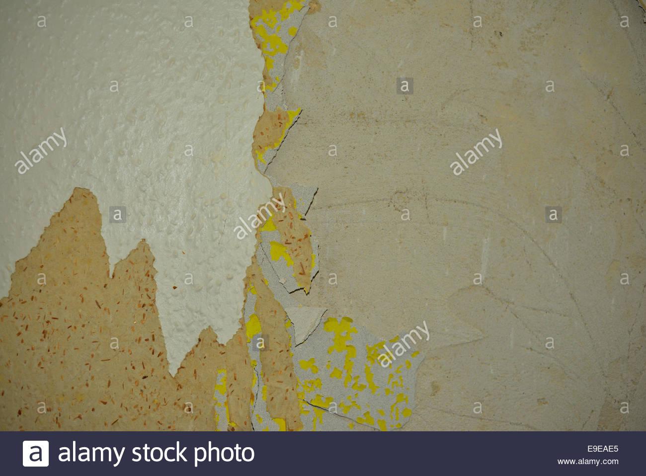 Peeling Woodchip On Walls   Stock Image