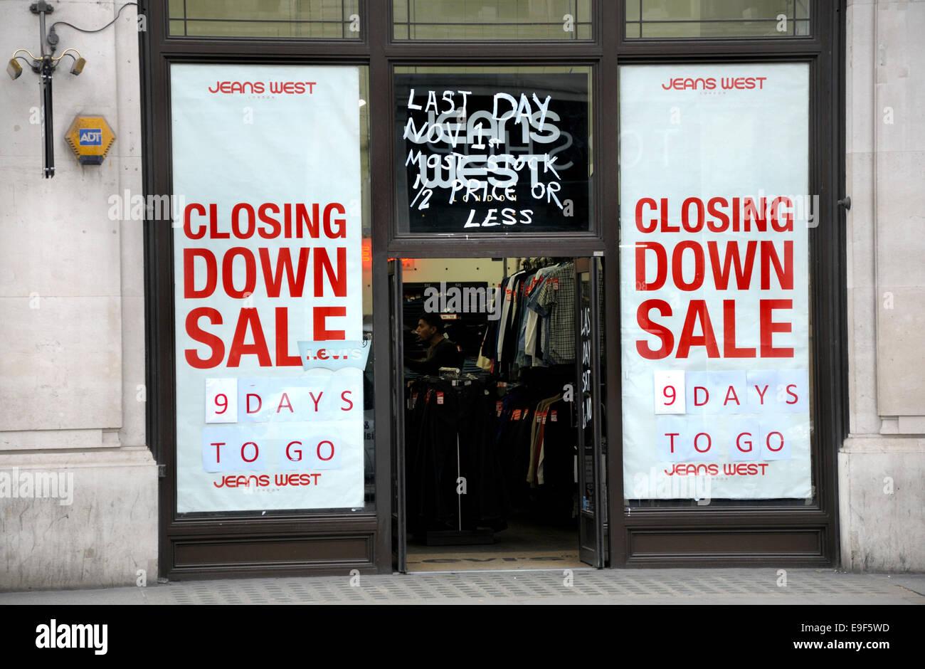 London, England, UK. Closing Down Sale in Regent Street - Stock Image
