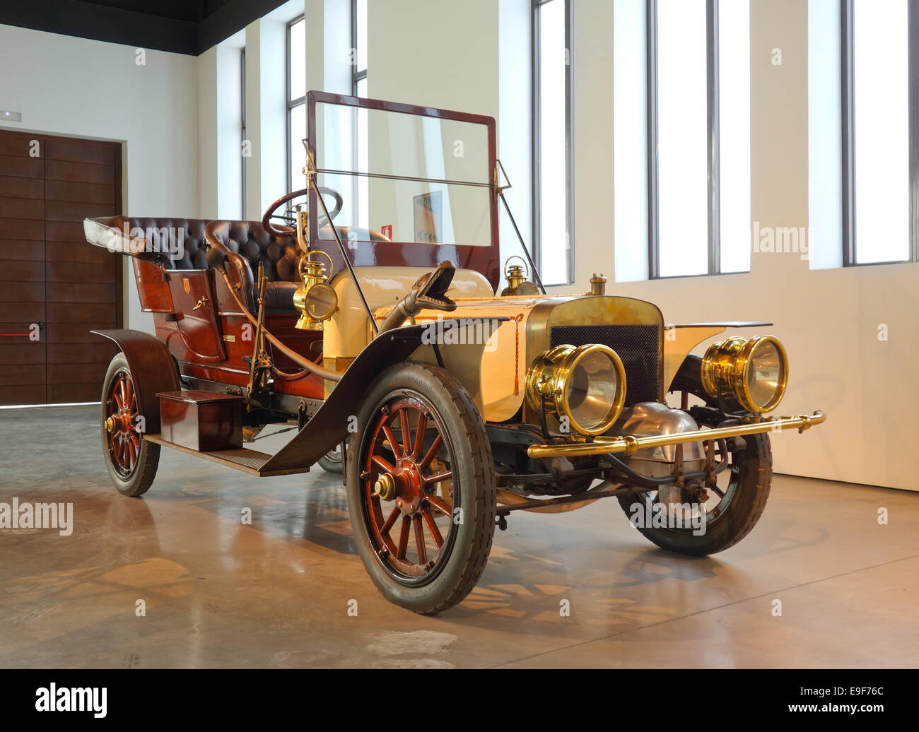 1907 Berliet C2 double-phaéton at Car, Automobile Museum of Málaga, Andalusia, Spain. - Stock Image