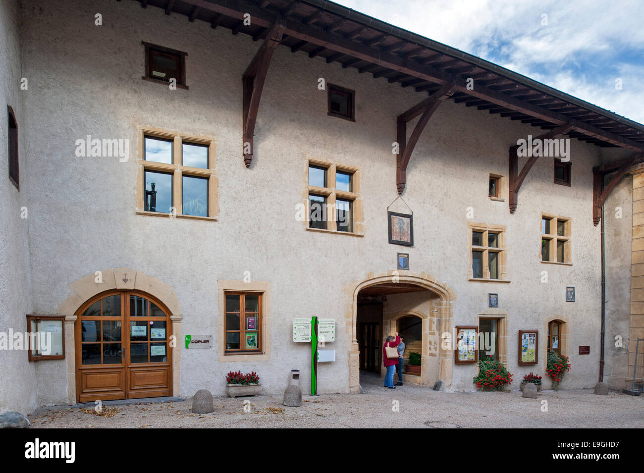 The medieval inn auberge de la Tête Noire at Saint-Symphorien-de-Lay, Rhône-Alpes, France, Europe - Stock Image