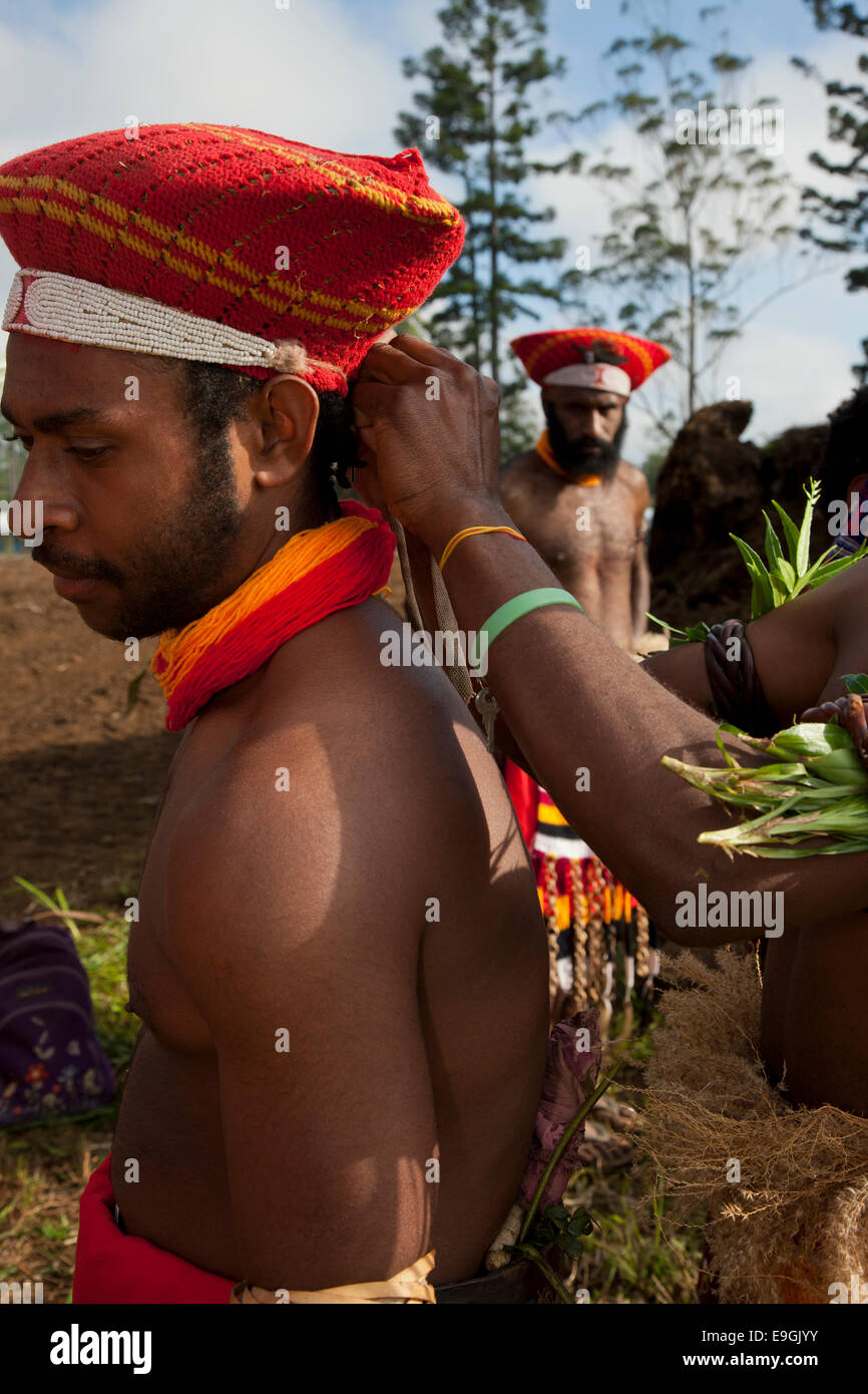 Participant Getting Dressed, Sing Sing, Mt. Hagen - Stock Image