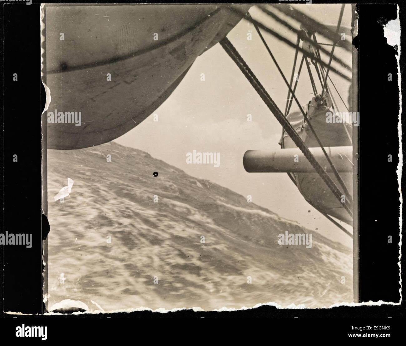 'Fram' i høy sjø, 1910 - Stock Image